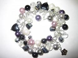 AR096 Multi color: Armband med olika pärlor i både glas  och naturmaterial...110:- SÅLD  För att se en större bild, klicka på denna länk.