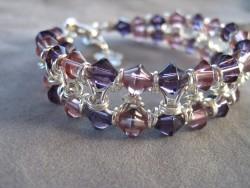 AR072 Pink ring: 2 radigt armband med rosa och lila  glaspärlor och ringar...149:- 100:-För att se en större bild, klicka på denna länk.