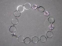 AR114 Bicone ring: Armband med rosa bicone pärlor samt ringar...69:- SÅLD  För att se en större bild, klicka på denna länk.