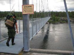 Hängbron över Hästskoforsen, Laisälven