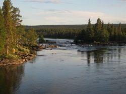 Bilden tagen från hängbron över Laisälvens Hästskofors....